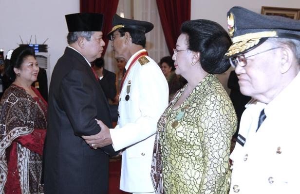 Presiden-Lantik-Gubernur-DIY-03.jpg